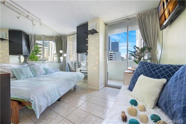 Waikiki Grand Hotel condo #506, Honolulu, Hawaii - photo 1 of 18