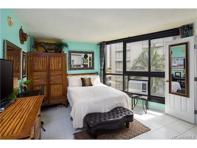 Waikiki Grand Hotel condo #617, Honolulu, Hawaii - photo 1 of 12