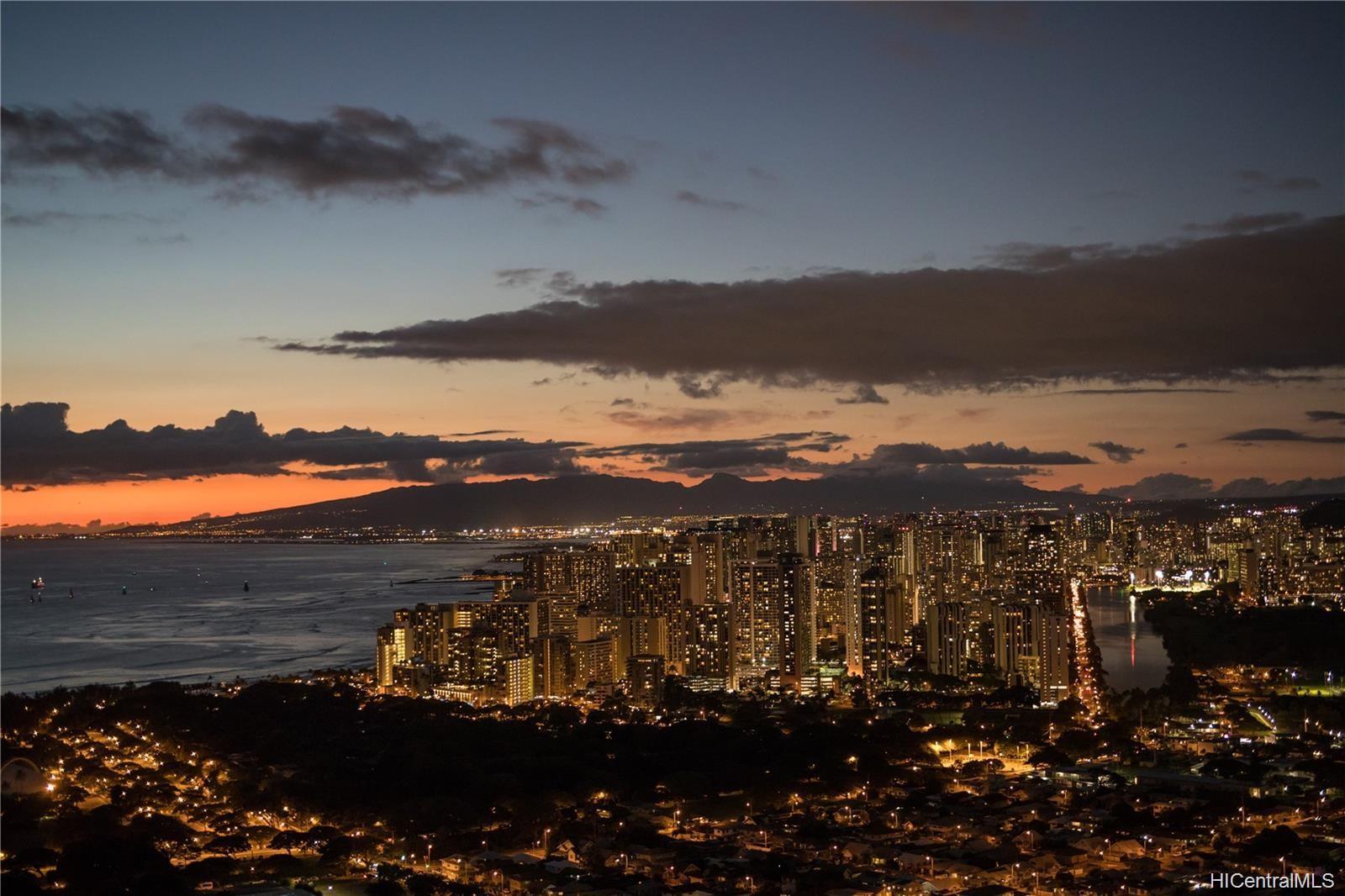 Waikiki Grand Hotel condo # 817, Honolulu, Hawaii - photo 2 of 25