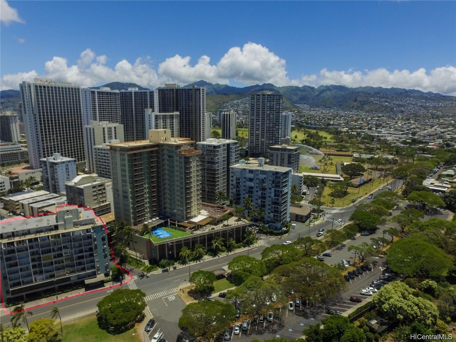 Waikiki Grand Hotel condo # 817, Honolulu, Hawaii - photo 4 of 25