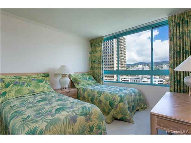 Uraku Tower Hawaii condo # 10D, Honolulu, Hawaii - photo 12 of 18