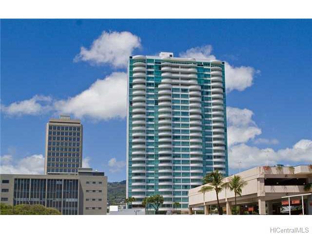 Uraku Tower Hawaii condo #14D, Honolulu, Hawaii - photo 1 of 9
