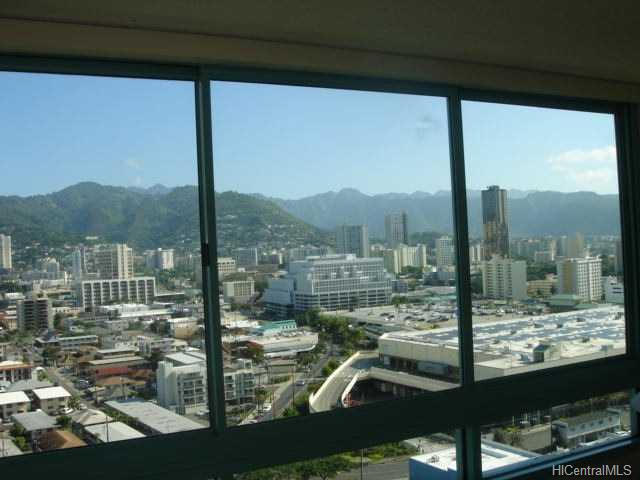 Uraku Tower Hawaii condo # 21/A, Honolulu, Hawaii - photo 6 of 10
