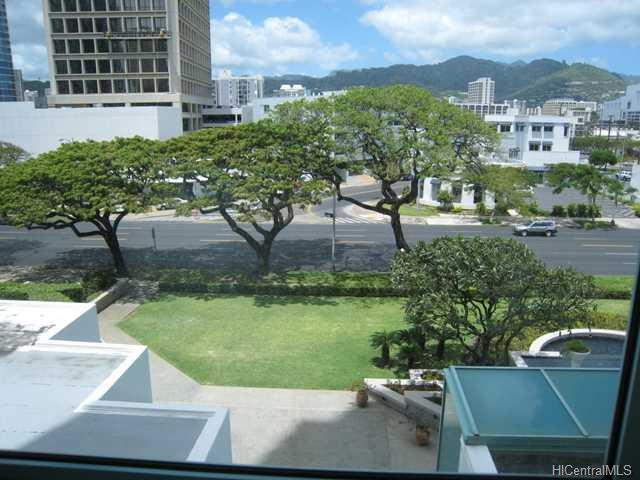 Uraku Tower Hawaii condo # 5/A, Honolulu, Hawaii - photo 3 of 10