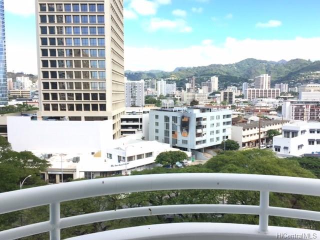 Uraku Tower Hawaii condo # 9A, Honolulu, Hawaii - photo 6 of 10