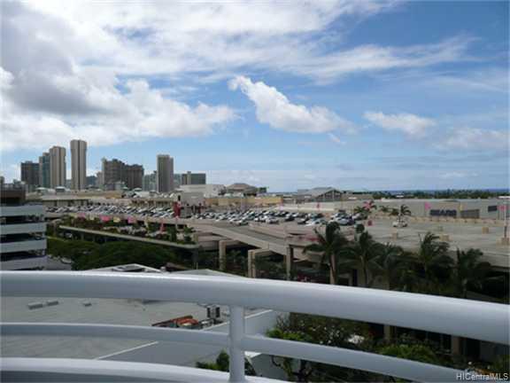 Uraku Tower Hawaii condo # 9/C, Honolulu, Hawaii - photo 4 of 10
