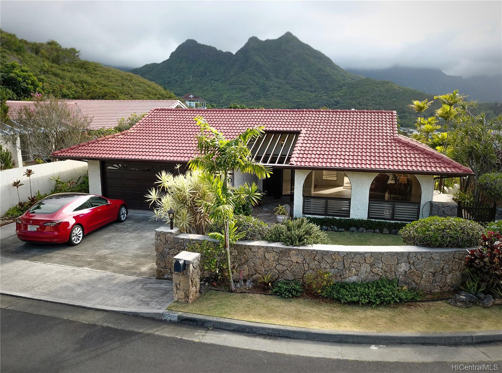 1380  Aupula Place Hillcrest, Kailua home - photo 1 of 25