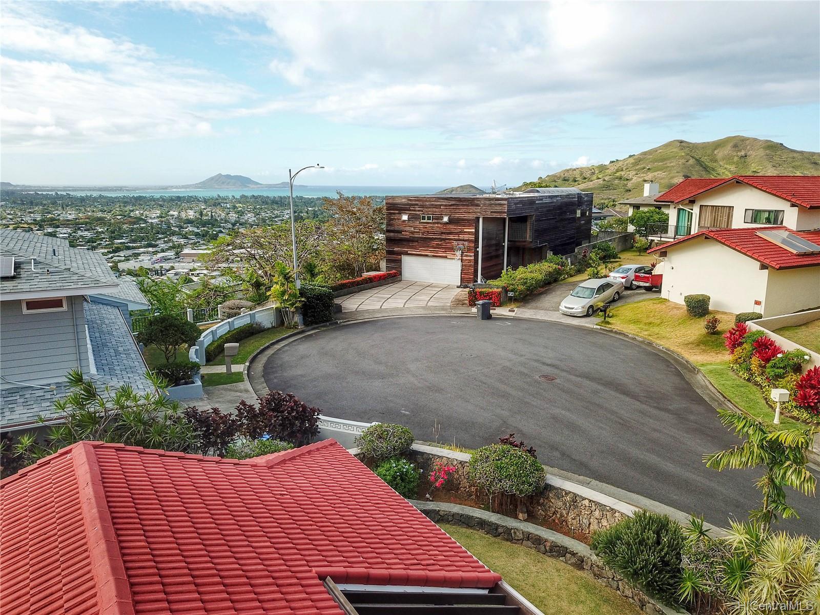 1380  Aupula Place Hillcrest, Kailua home - photo 3 of 25