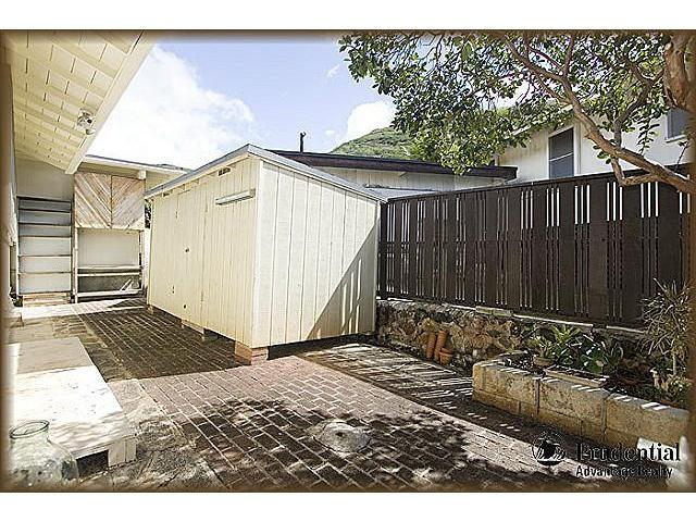 1398  Halekoa Dr Waialae Nui-lwr, Diamond Head home - photo 18 of 20