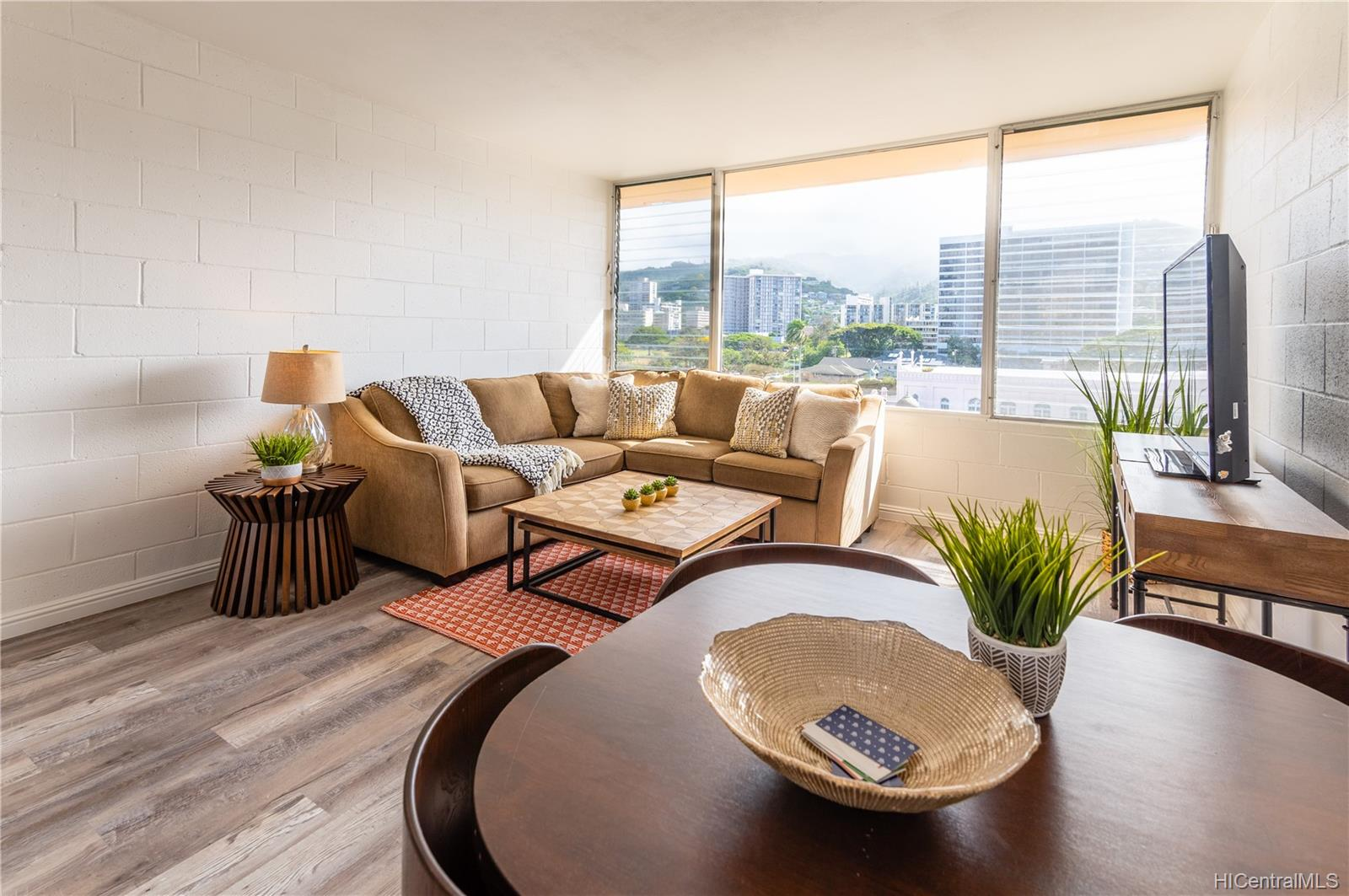 Maile Terrace condo # B705, Honolulu, Hawaii - photo 3 of 24
