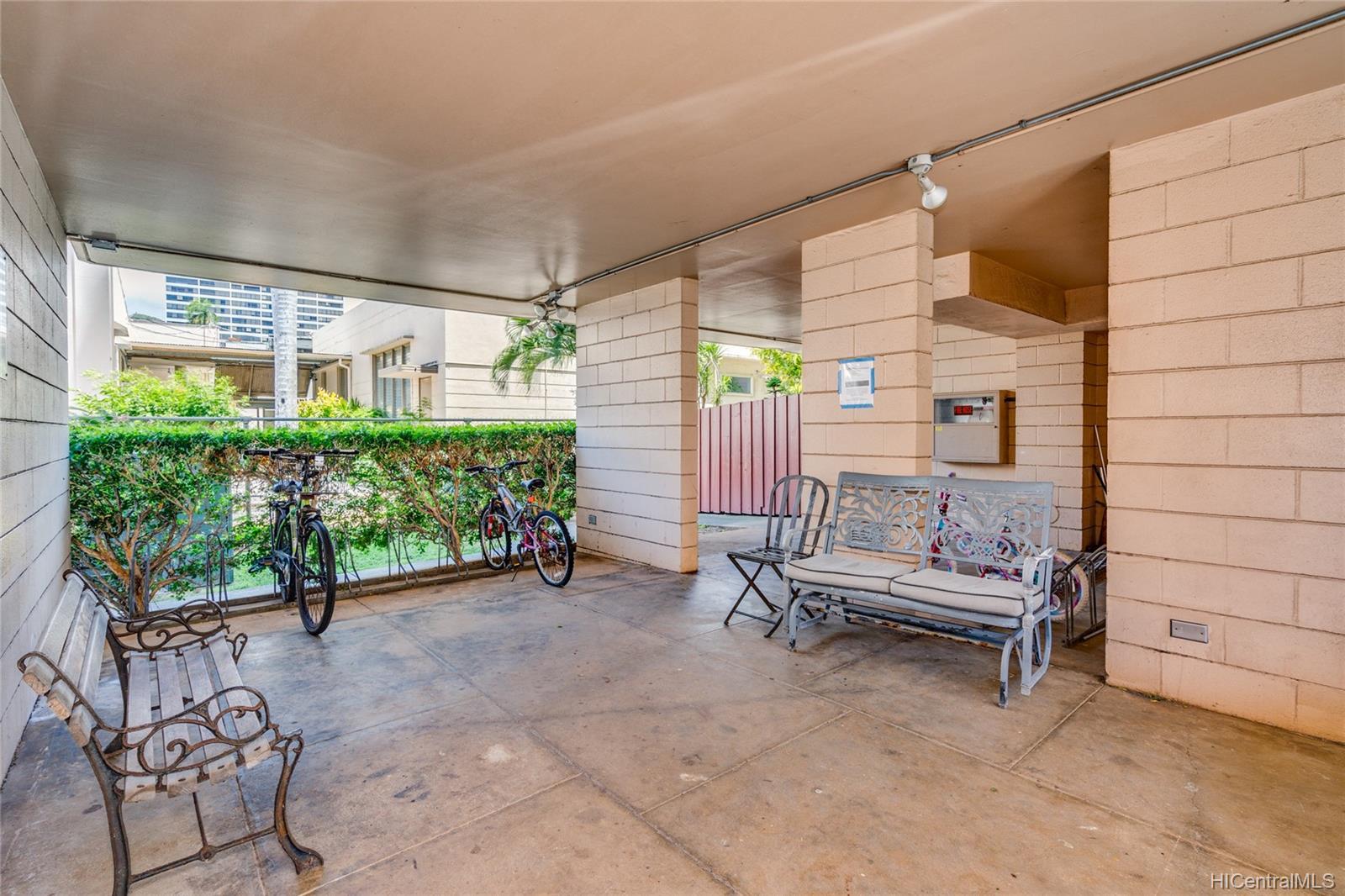 Maile Terrace condo # B705, Honolulu, Hawaii - photo 21 of 24
