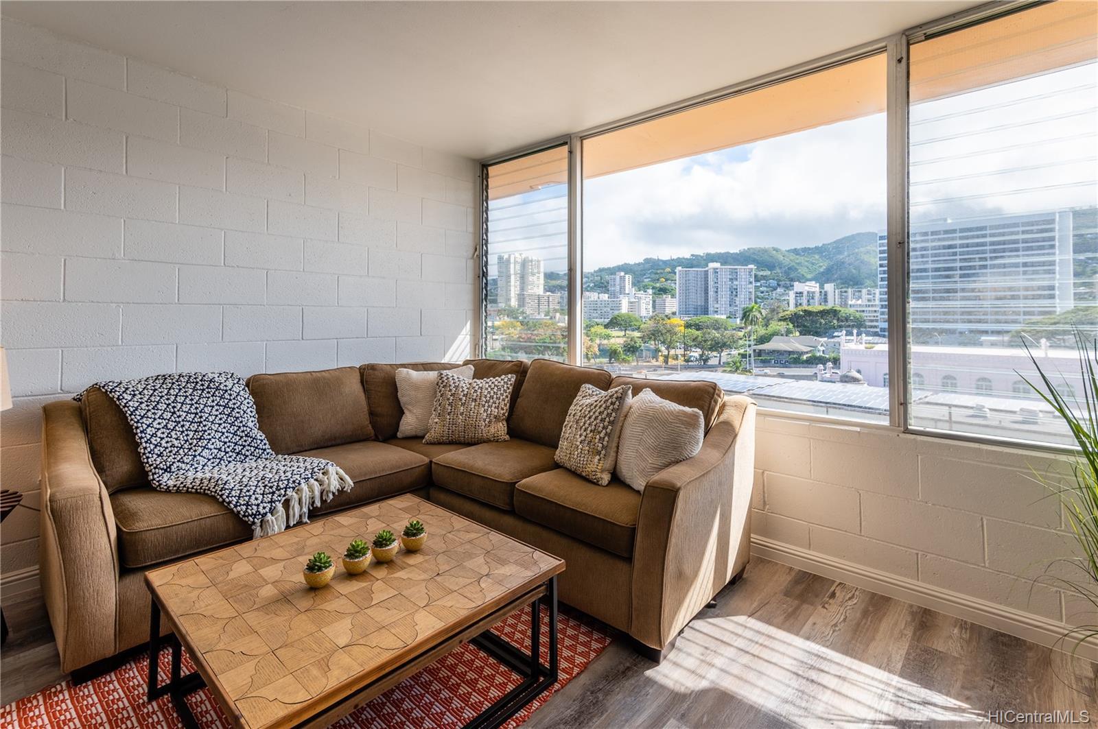 Maile Terrace condo # B705, Honolulu, Hawaii - photo 4 of 24