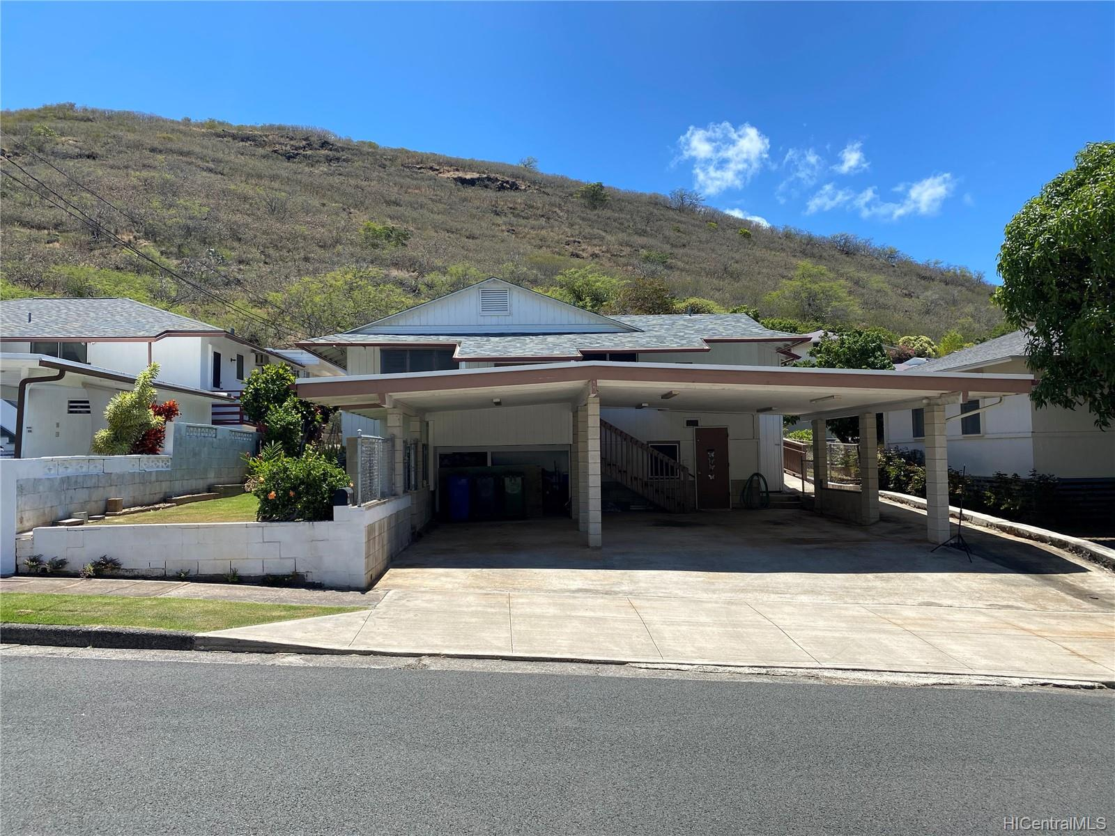 1407  Ainakoa Ave Waialae Nui-lwr, Diamond Head home - photo 1 of 9