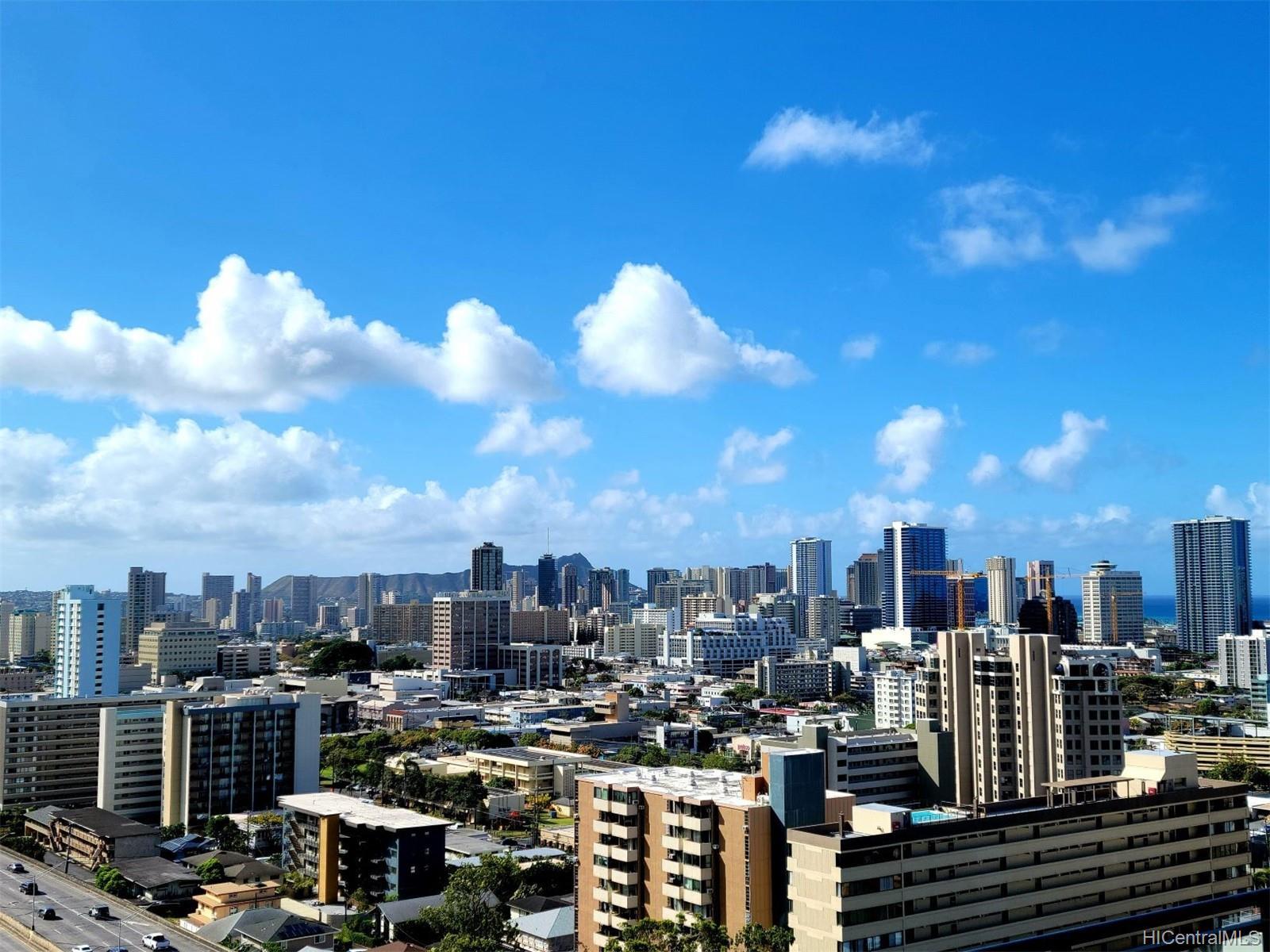 Town House condo # 201, Honolulu, Hawaii - photo 7 of 7