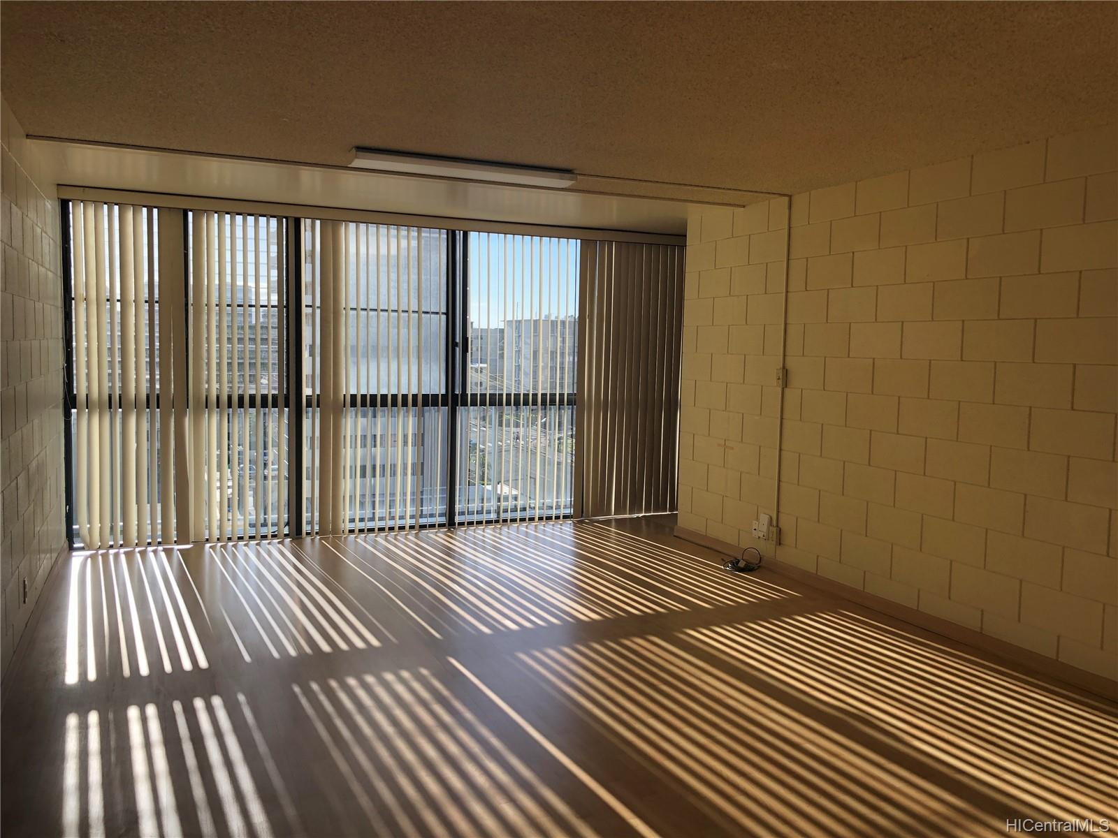 Victoria Towers condo # 1002, Honolulu, Hawaii - photo 2 of 12