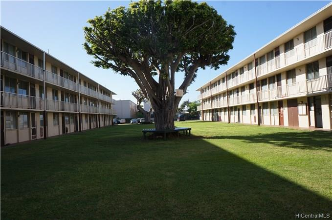 Bishop Gardens condo #F347, Honolulu, Hawaii - photo 1 of 8