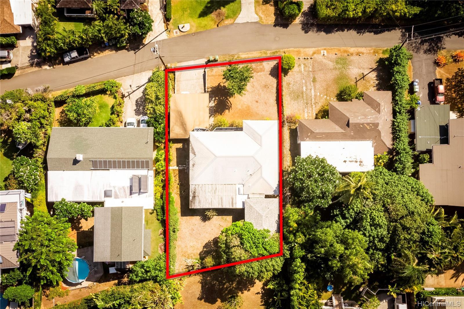 1445  Mokolea Drive Lanikai, Kailua home - photo 3 of 25