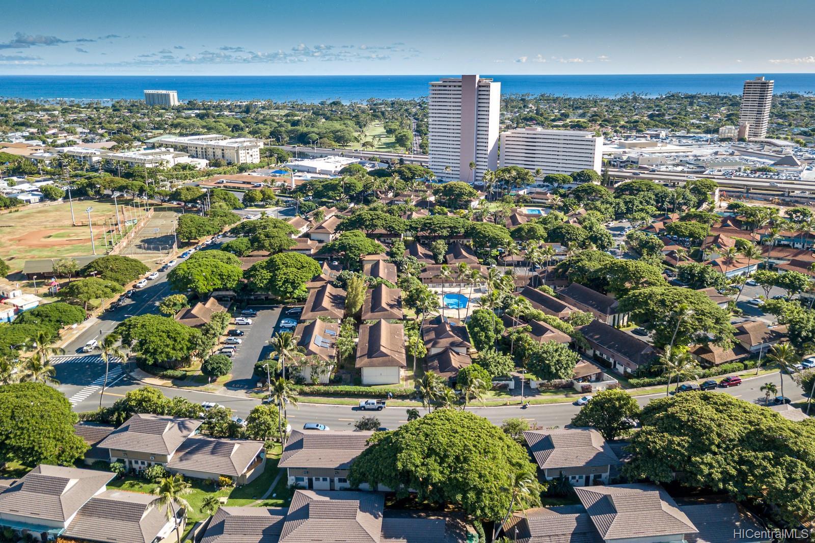 1448-4 Hunakai Street townhouse # 128, Honolulu, Hawaii - photo 24 of 25