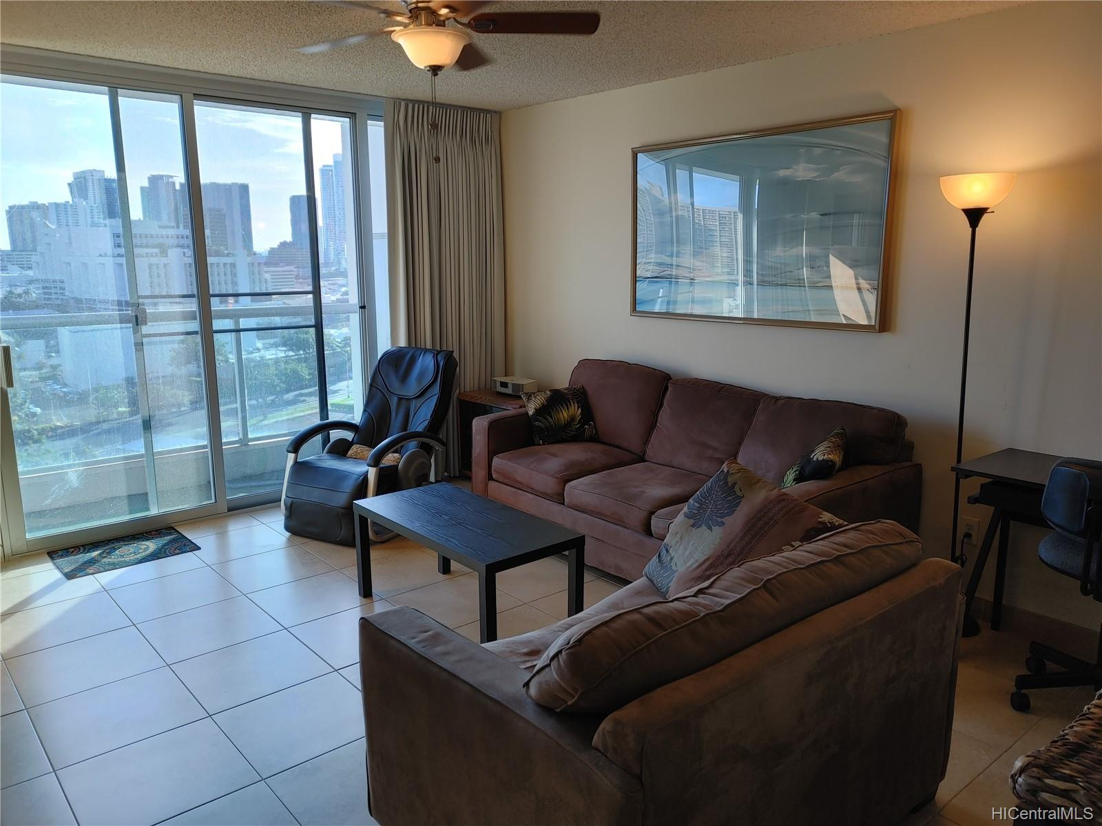 1450 Young St condo # 1105, Honolulu, Hawaii - photo 1 of 8
