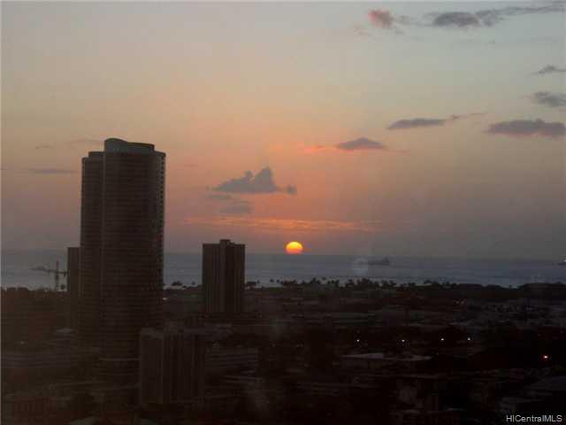1450 Young St condo # 2708, Honolulu, Hawaii - photo 2 of 10