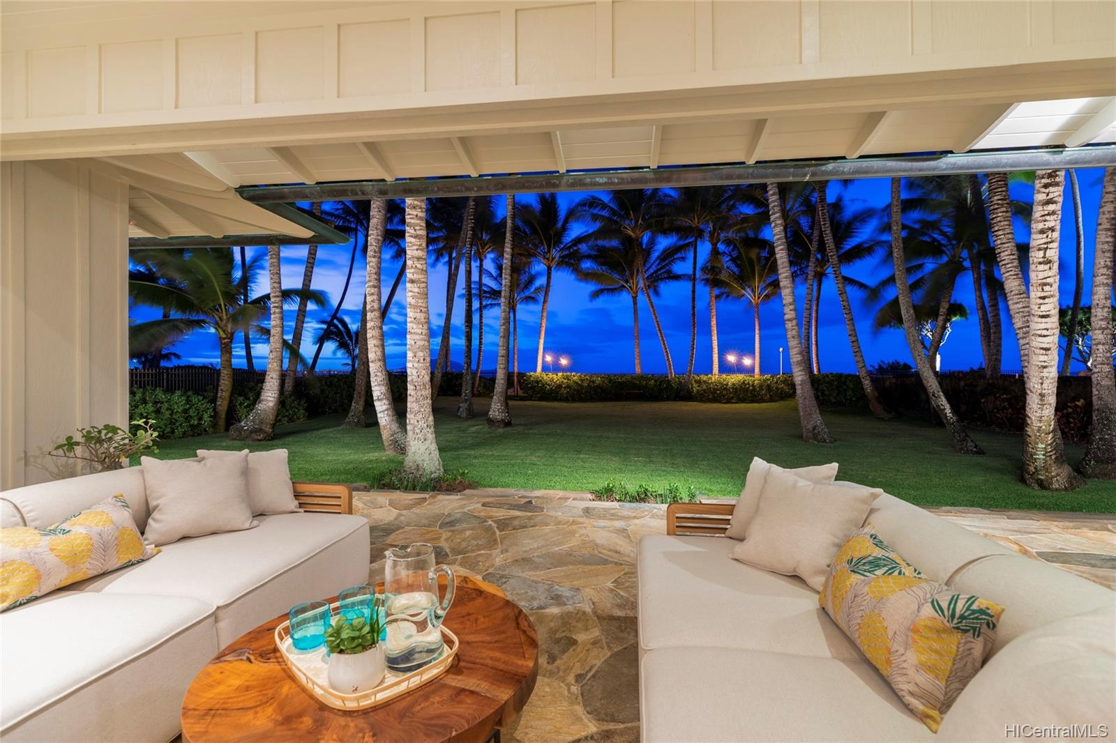 146  Kalaheo Ave Beachside, Kailua home - photo 3 of 25
