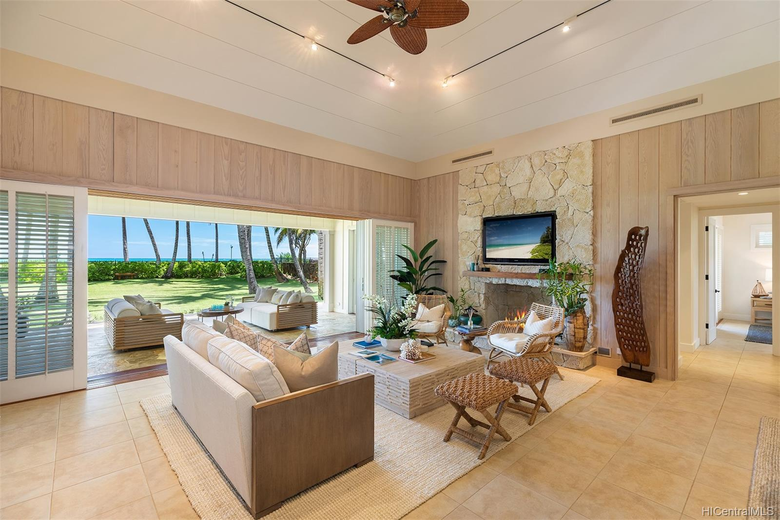 146  Kalaheo Ave Beachside, Kailua home - photo 10 of 25