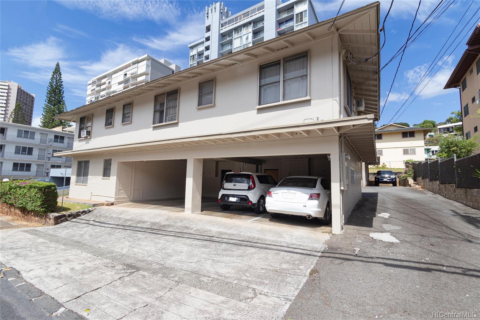 1464 Thurston Ave Honolulu - Multi-family - photo 1 of 25