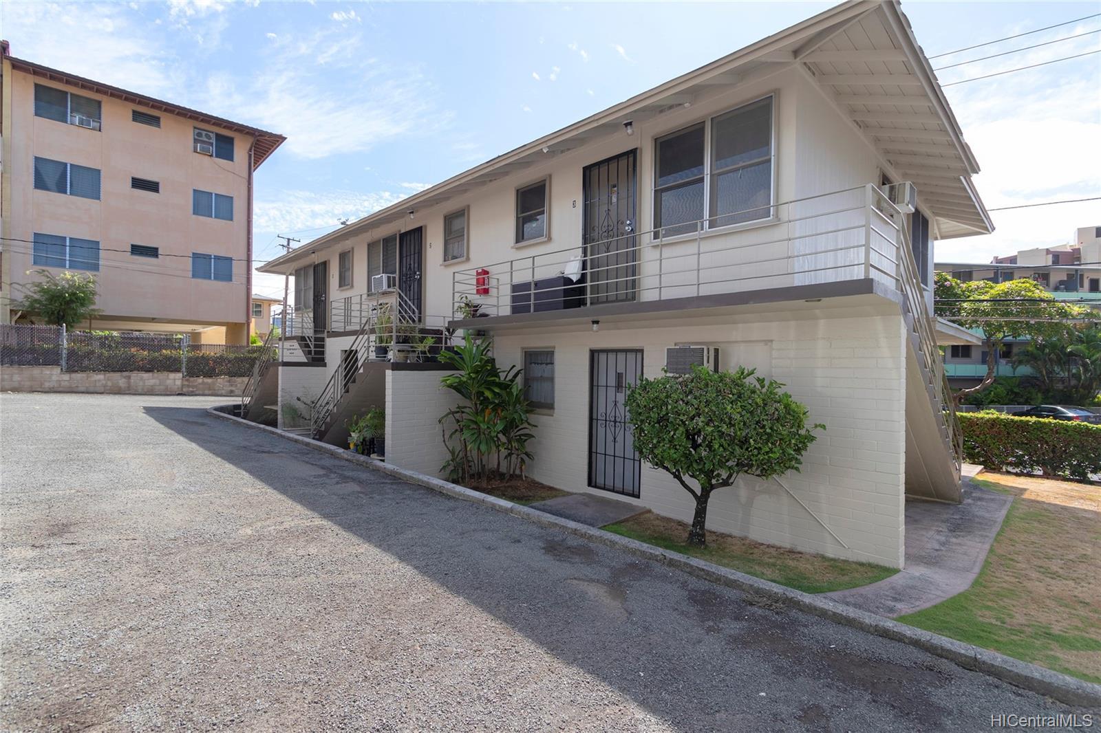 1464 Thurston Ave Honolulu - Multi-family - photo 5 of 25