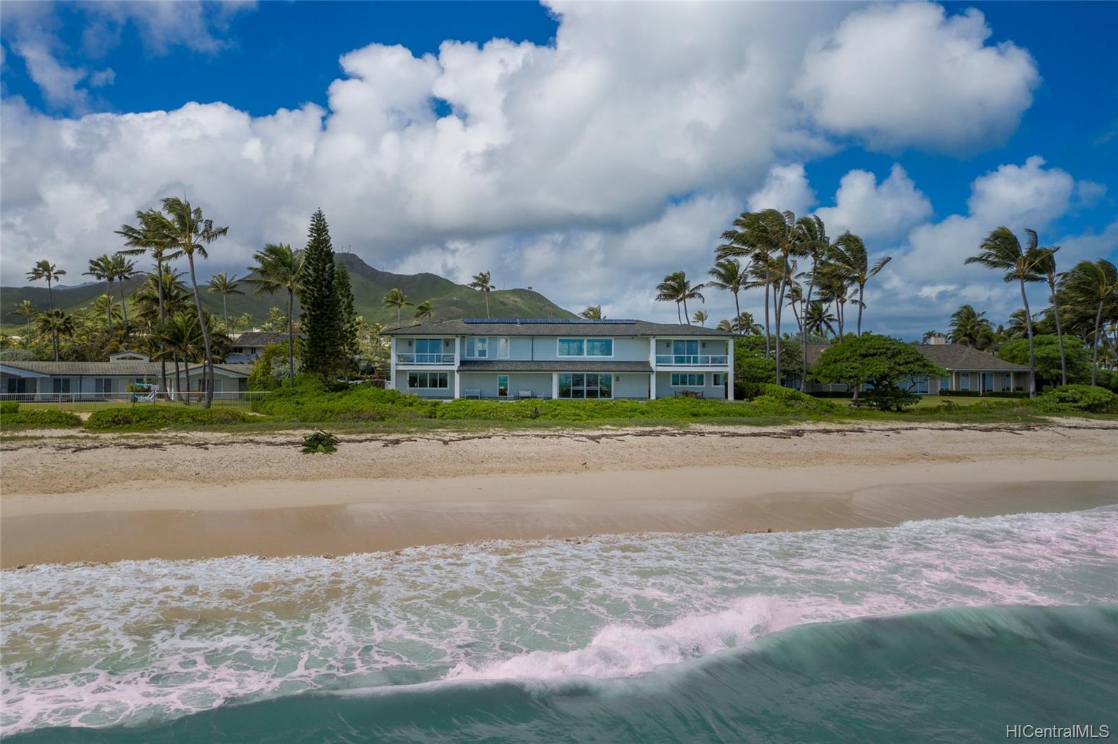 148  Kaimoani Way Beachside, Kailua home - photo 3 of 24