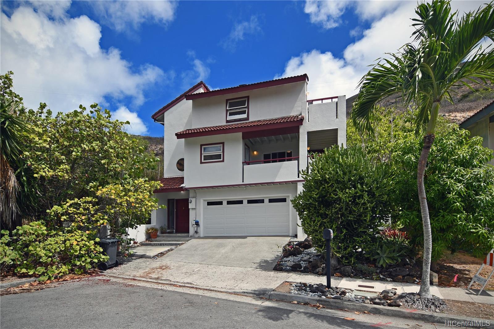 1489  Honokahua Street Kalama Valley, Hawaii Kai home - photo 1 of 25