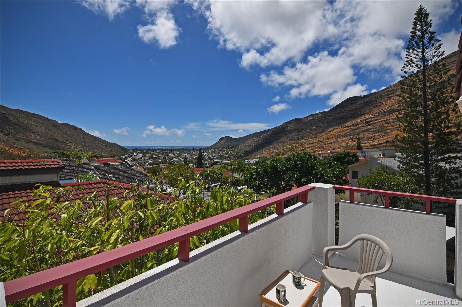1489  Honokahua Street Kalama Valley, Hawaii Kai home - photo 14 of 25