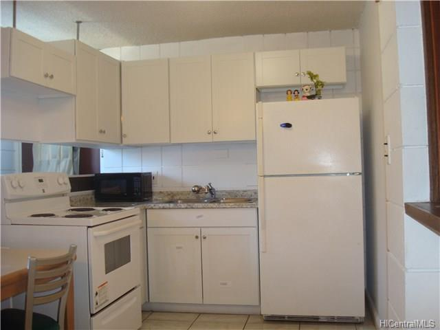 Kaumualii Park condo #B322, Honolulu, Hawaii - photo 1 of 25