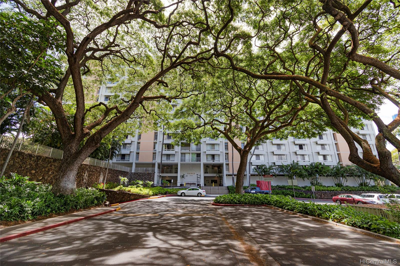Queen Emma Gardens condo # 1130, Honolulu, Hawaii - photo 12 of 25