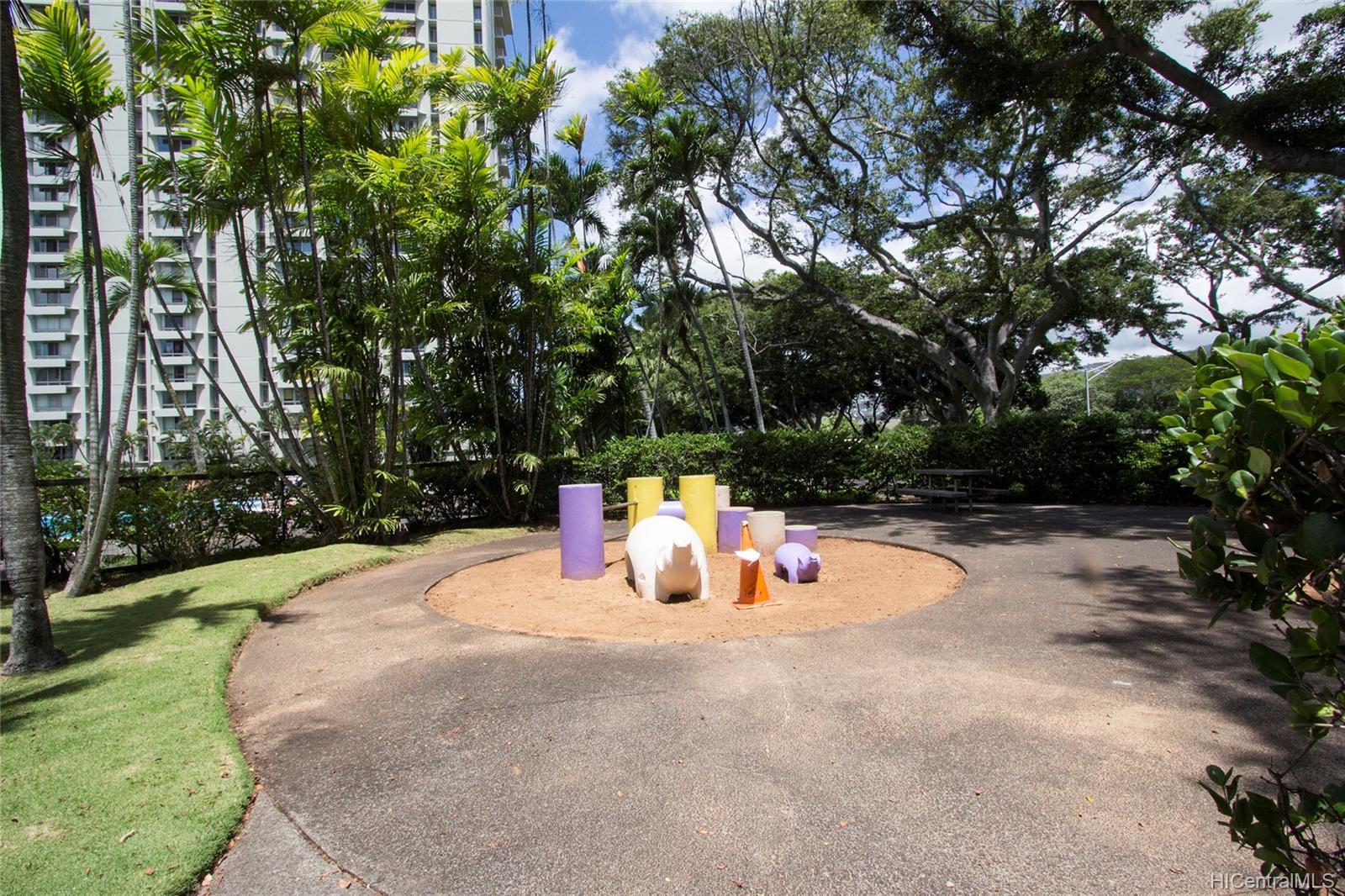 Queen Emma Gardens condo # 1130, Honolulu, Hawaii - photo 21 of 25
