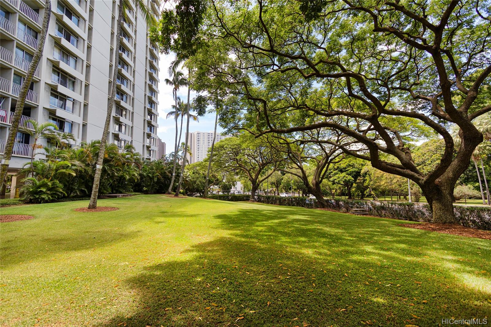 Queen Emma Gardens condo # 1130, Honolulu, Hawaii - photo 23 of 25