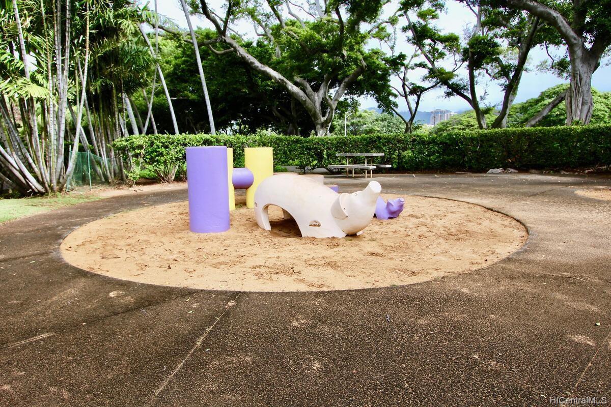 Queen Emma Gardens condo # 720, Honolulu, Hawaii - photo 12 of 16