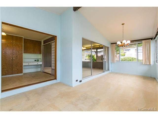 1518  Mahiole St Moanalua Gardens, Honolulu home - photo 8 of 14
