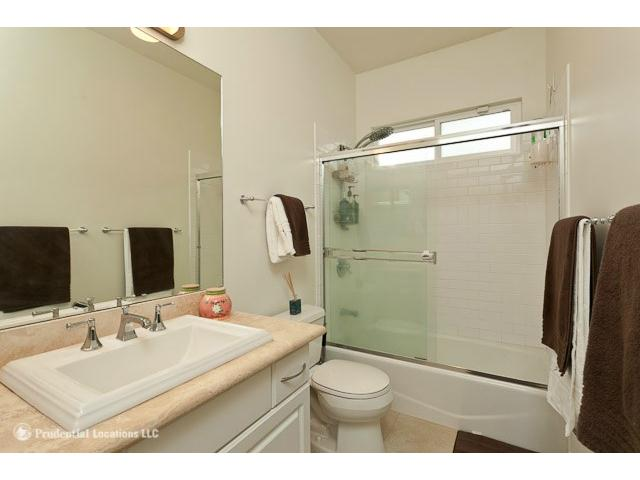 1520  Thurston Ave Punchbowl Area, Honolulu home - photo 10 of 15