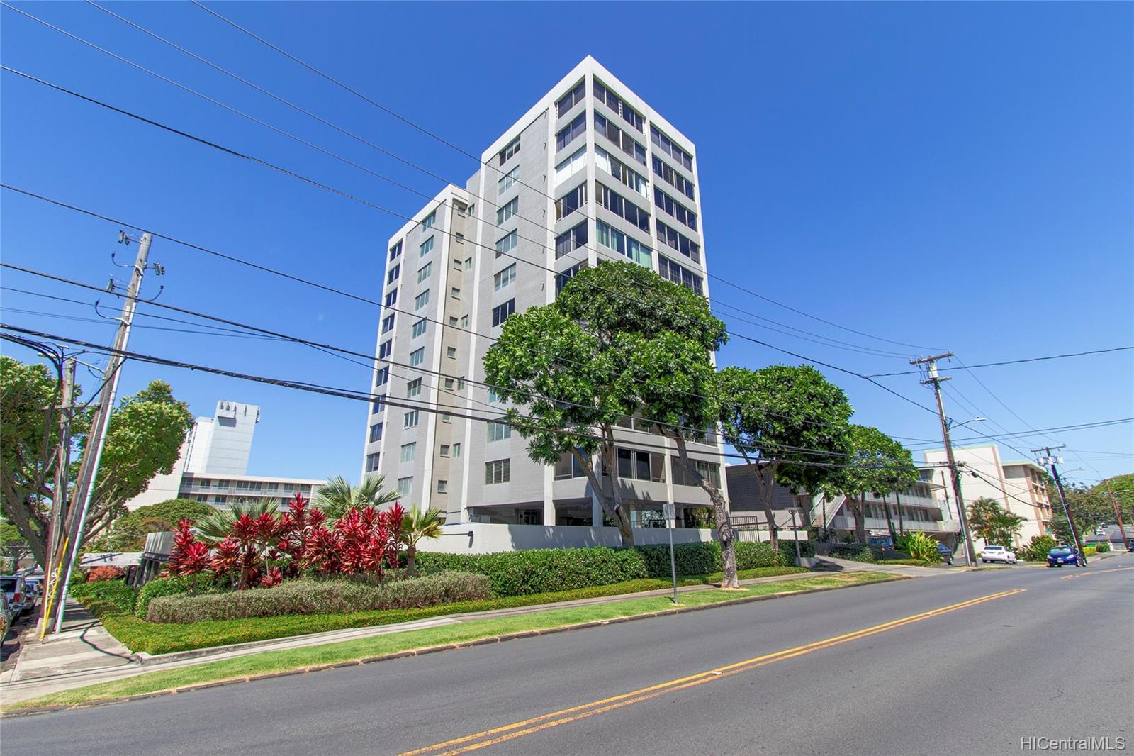 Anga-Roa condo # 402, Honolulu, Hawaii - photo 19 of 23