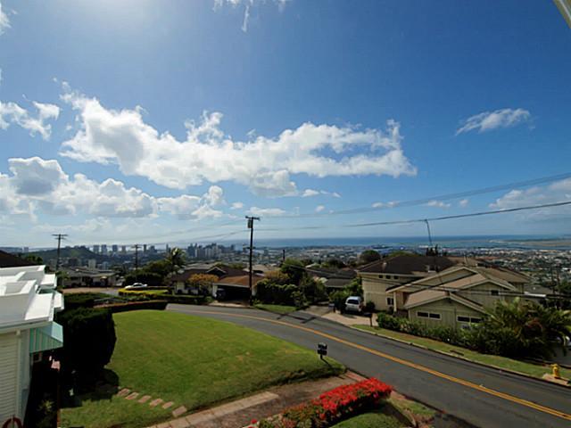 1548  Alewa Dr Alewa Heights, Honolulu home - photo 1 of 11