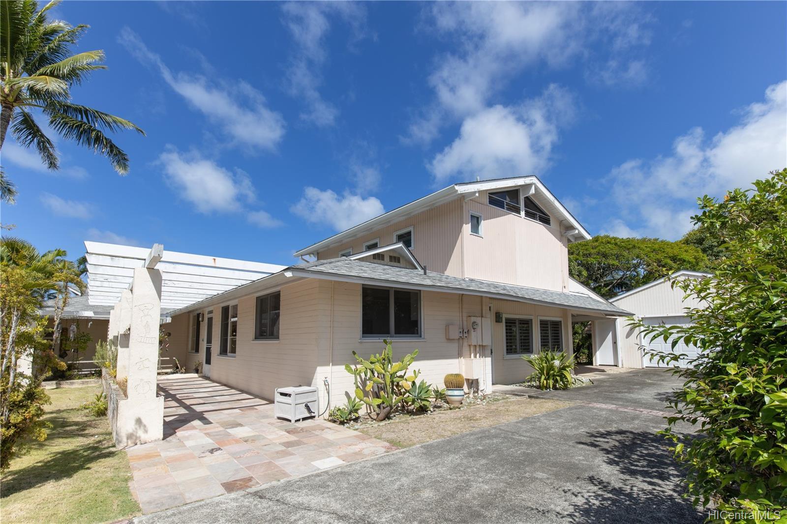 155  Kuupua Street Kuulei Tract, Kailua home - photo 2 of 25