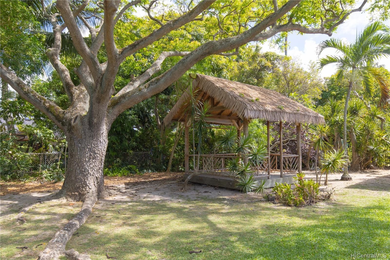 155  Kuupua Street Kuulei Tract, Kailua home - photo 3 of 25