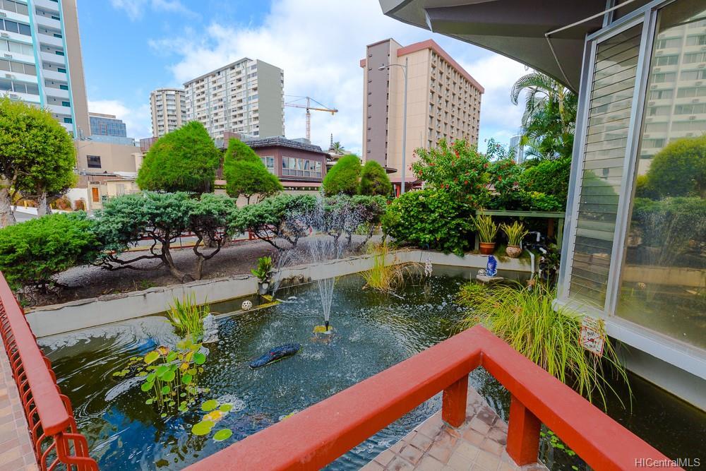 Rycroft Terrace condo # 313, Honolulu, Hawaii - photo 2 of 11