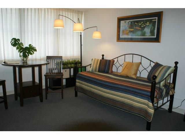 Rycroft Terrace condo # 516, Honolulu, Hawaii - photo 2 of 5