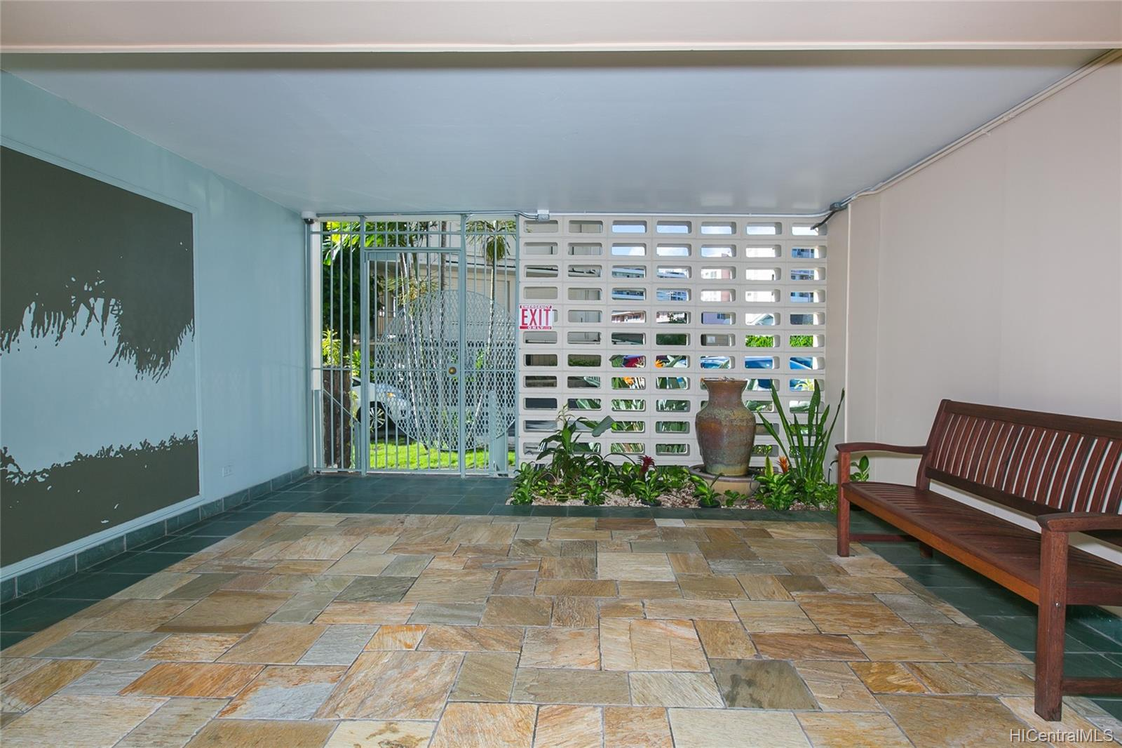 Punahou Gardens Apts condo # 1203, Honolulu, Hawaii - photo 20 of 24