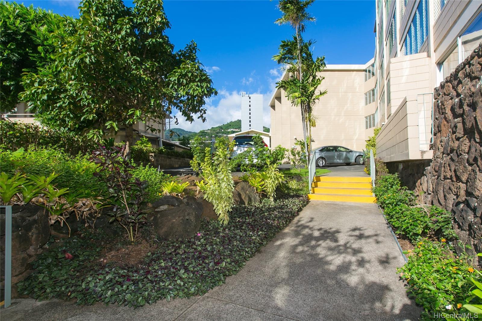 Punahou Gardens Apts condo # 1203, Honolulu, Hawaii - photo 22 of 24