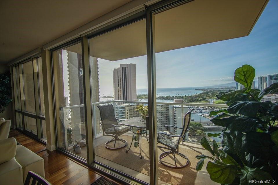 1551 Ala Wai Blvd Honolulu - Rental - photo 2 of 22