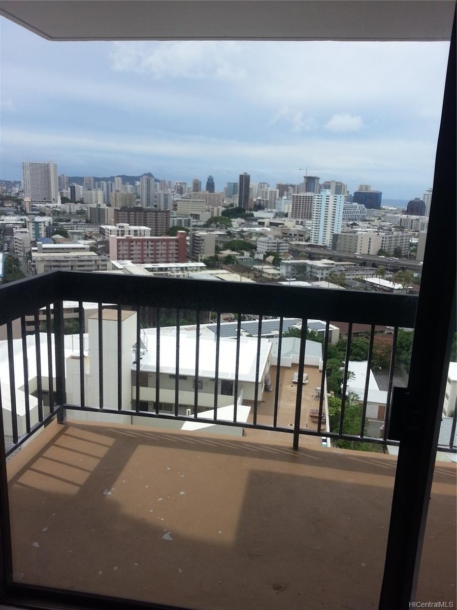 Makikilani Plaza condo # 1003, Honolulu, Hawaii - photo 8 of 9
