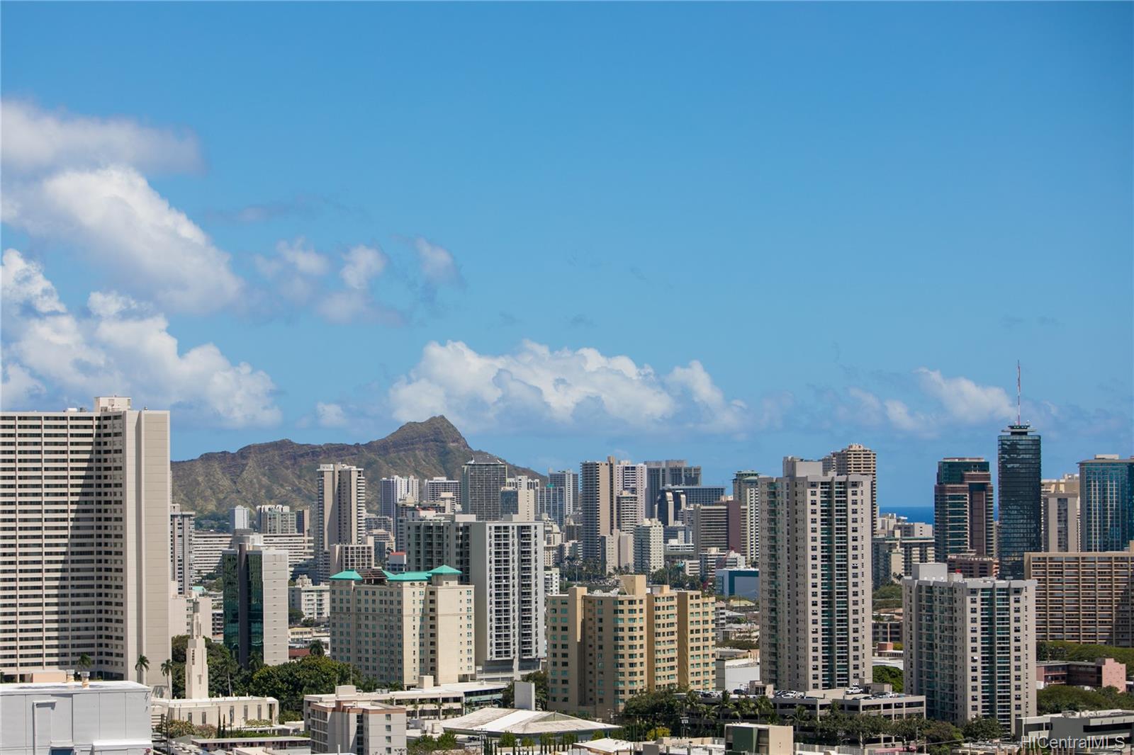 Makiki Plaza condo # 2404, Honolulu, Hawaii - photo 11 of 19