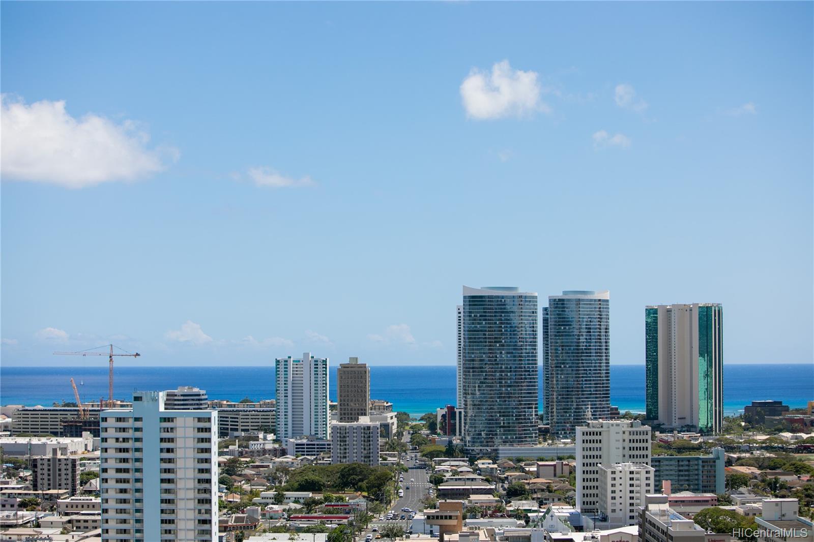 Makiki Plaza condo # 2404, Honolulu, Hawaii - photo 12 of 19